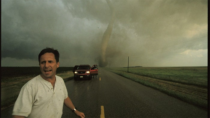 Tim Samaras chassé par une tornade