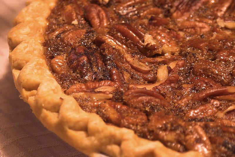 gros plan sur la tarte noix de pécan