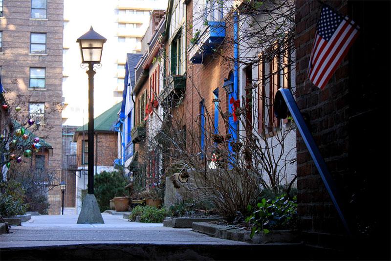 Pomander Walk est un des secrets les mieux gardés de tout New York City