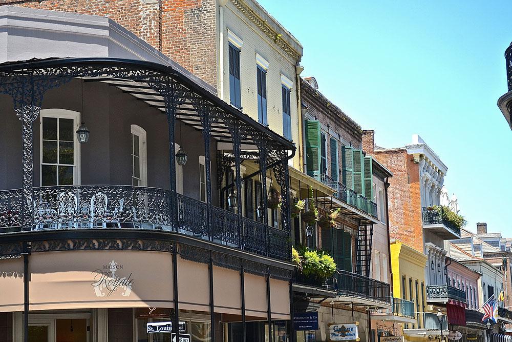 Le quartier français de Bourbon Street à la Nouvelle Orleans