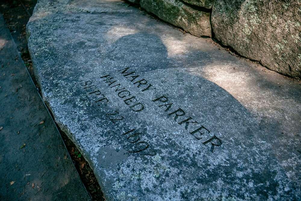 Bancs à Salem Witch Memorial