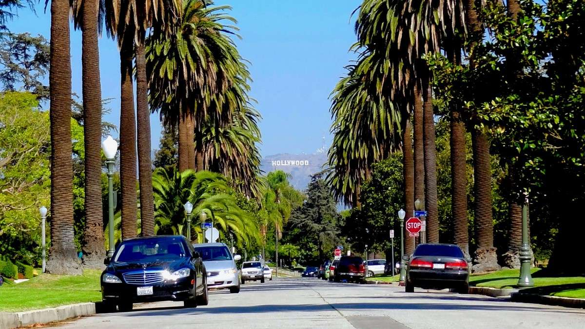Panneau Hollywood depuis un quartier de Los Angeles