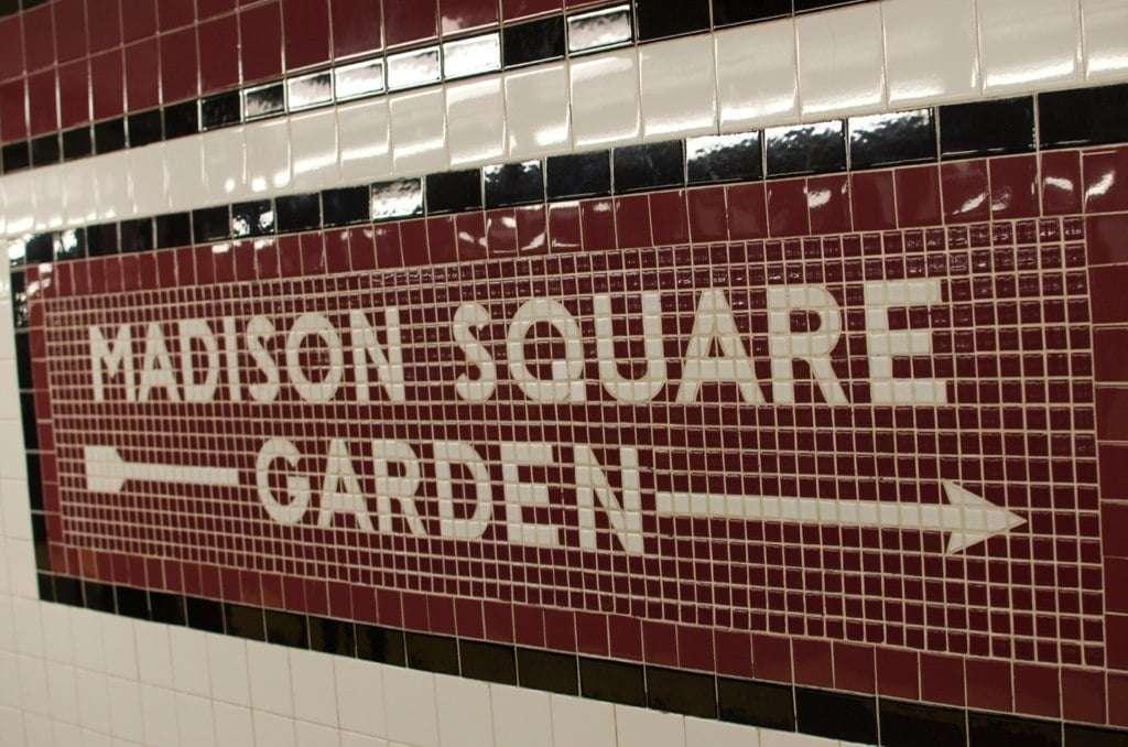 Signe Madison Square Garden dans le métro
