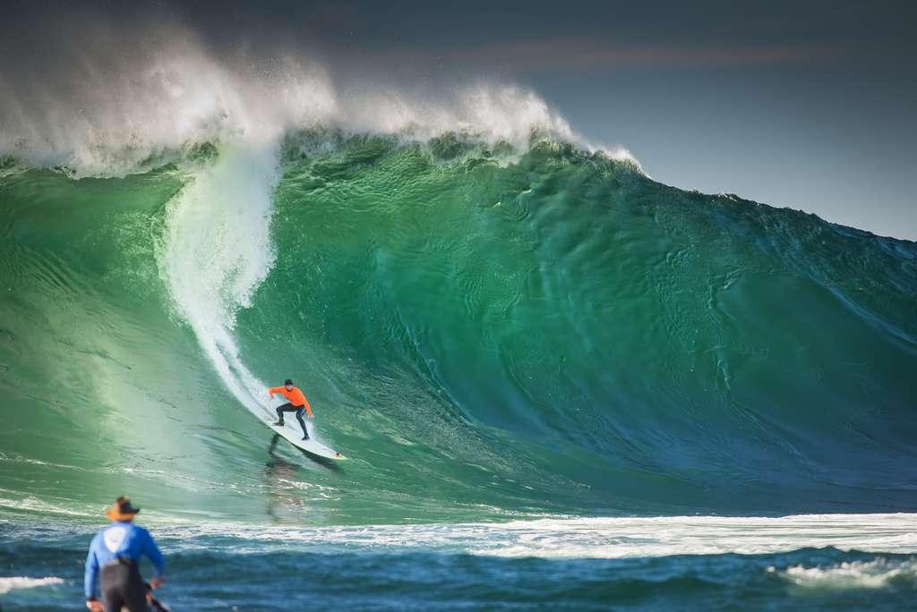 Surf à Mavericks, Californie
