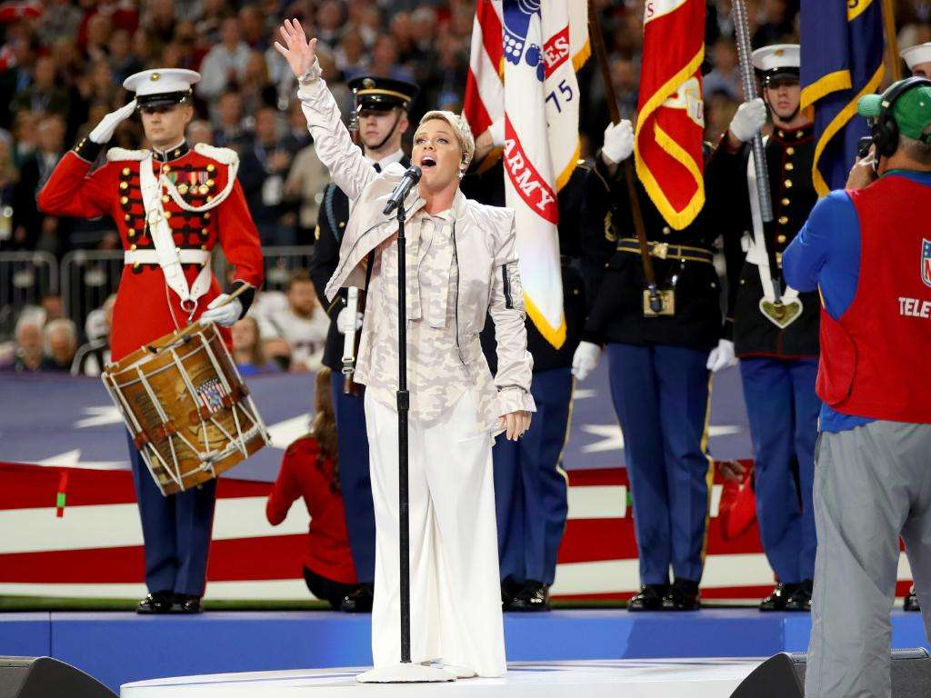 Pink Hymne National USA Super Bowl
