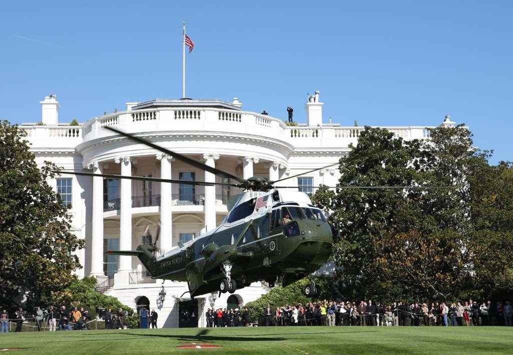 Marine One devant la Maison Blanche