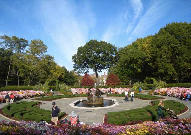 Central Park conservatory Garden New York City printemps