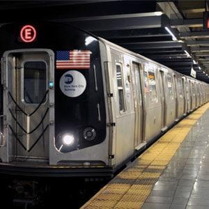L\'air tiède que te procure un métro en approche dans une station surpeuplée