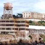 Alcatraz devient une prison fédérale le 12 octobre 1933