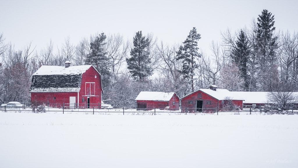 Grange et ferme sous la neige aux Etats-Unis