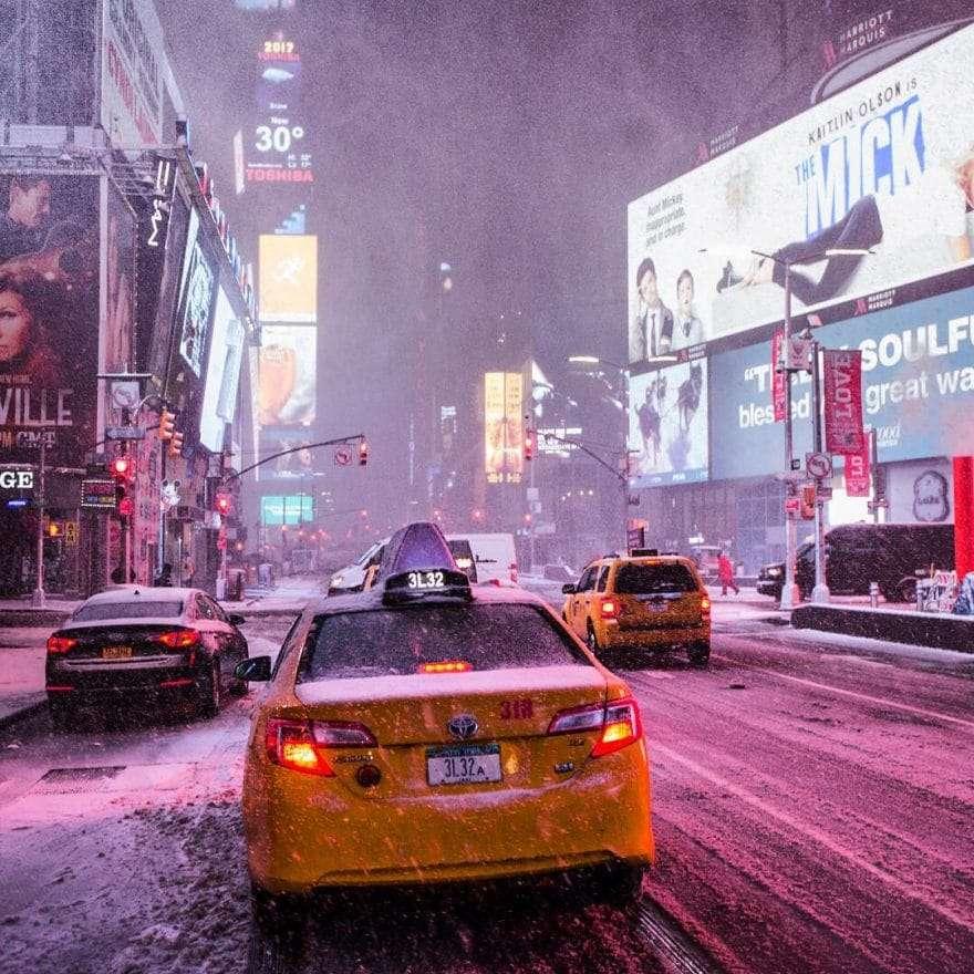 Times Square sous la neige par Matt Chimera