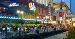 Boardwalk d'Atlantic City la nuit