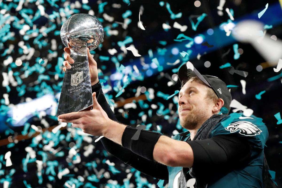 Nick Folew remporte le Super Bowl