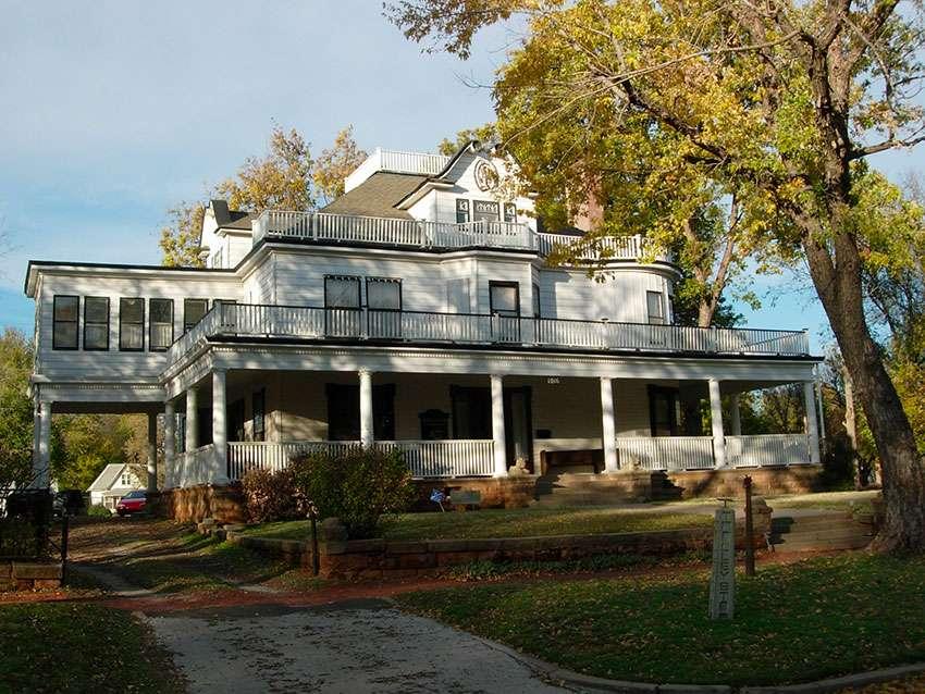 Oklahoma Stone Lion Inn